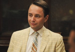 Pete Campbell in Signal 30