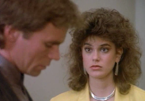 Super-obnoxious Teri Hatcher on MacGyver